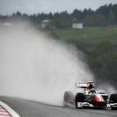 Primera sesión de libres del GP de Turquía 2011 pasada por agua