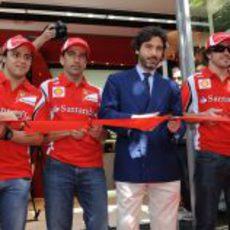 Massa, Gené, Lorenzo Bassetti y Alonso inauguran la tienda Ferrari de Barcelona