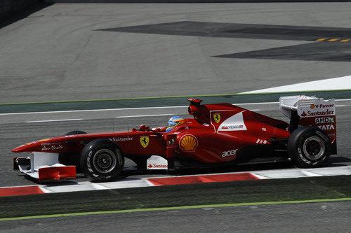 Alonso se marca un vueltón en la Q3 del GP de España 2011