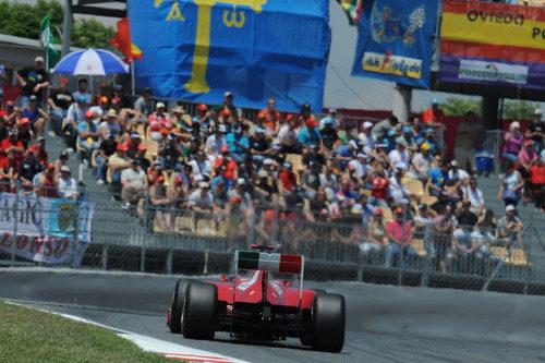 La afición española volcada con Alonso en el GP de España 2011