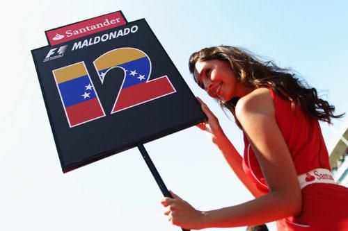 La 'pitbabe' de Maldonado en el GP de España 2011