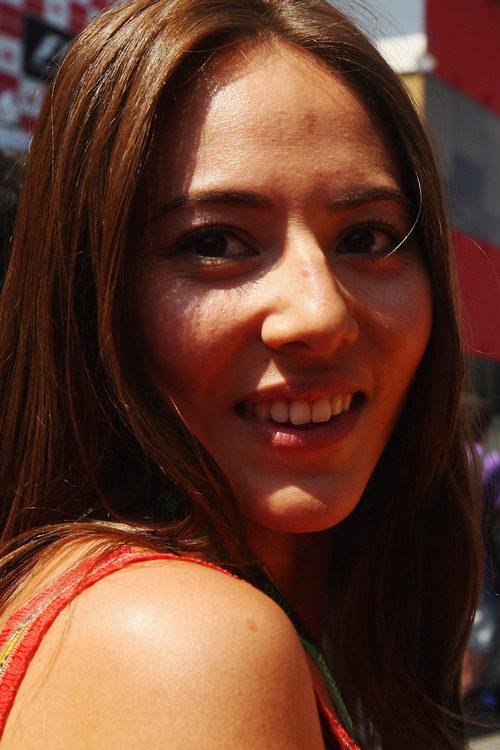 Jessica Michibata orgullosa del podio de su novio en el GP de España 2011