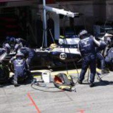 Maldonado realiza una parada en boxes
