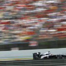 Barrichello a toda velocidad en Montmeló