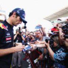 Webber muy solicitado en el GP de España 2011