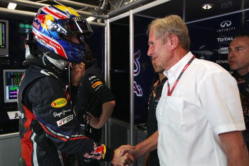 Marko felicita a Webber por su pole en el GP de España 2011