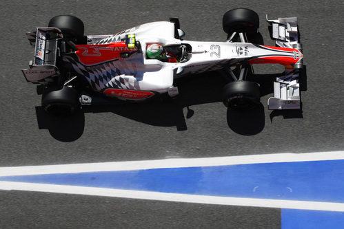 Liuzzi a los mandos de su F111 en España 2011