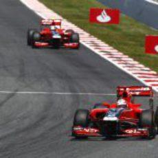 Los dos Virgin ruedan en Montmeló durante el GP de España 2011