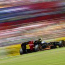 Petrov en plena vuelta lanzada en España 2011