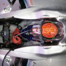 Michael Schumacher en el interior de su Mercedes en España 2011