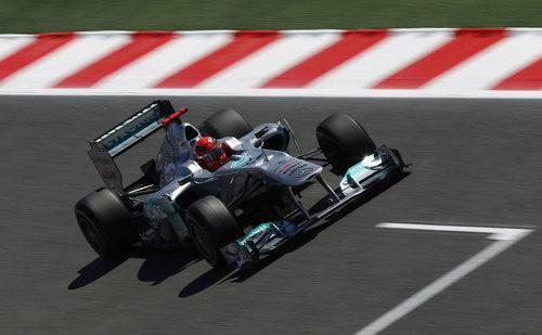Schumacher rodando sobre el asfalto de Montmeló en el GP de España