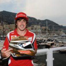 Fernando Alonso usará un casco dorado en el GP de Mónaco 2011