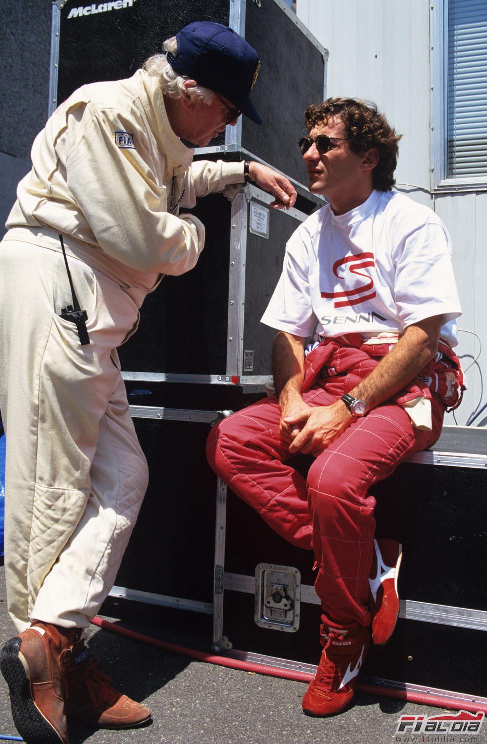 Ayrton Senna junto a su médico personal