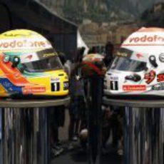 Los cascos de Hamilton y Button para el GP de Mónaco 2011