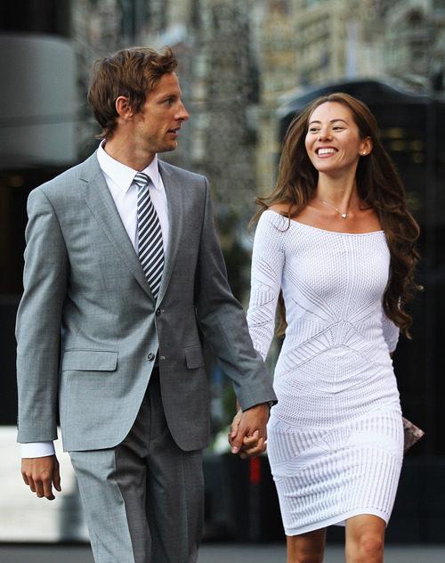 Jenson Button y Jessica Michibata vestidos de gala en Mónaco 2011