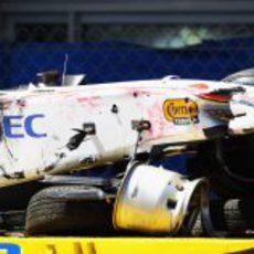 El impacto lateral de Sergio Pérez dejó su coche destrozado en el GP de Mónaco 2011