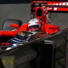 Timo Glock limando las protecciones del circuito de Mónaco