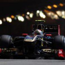 Petrov sale del túnel de Mónaco durante la clasificación