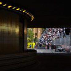 Michael Schumacher entra en el túnel de Mónaco