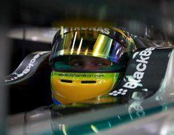 Lewis Hamilton no cede y lidera la noche de Sakhir en los Libres 2 del GP de Baréin 2014