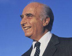 Exhuman el cadáver de Juan Manuel Fangio para realizar una prueba de paternidad