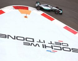Lewis Hamilton cabalga sin rival hacia su tercer Campeonato del Mundo en Rusia