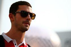 Alexander Rossi confía en sus posibilidades para ser piloto de Manor en 2016