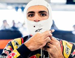 """Carlos Sainz: """"Lo que está haciendo Alonso con el McLaren es para ponerse de pie"""""""
