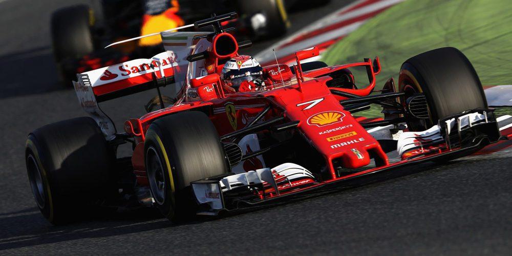Kimi Räikkönen desplazó a Lewis Hamilton en el segundo día de test en Barcelona