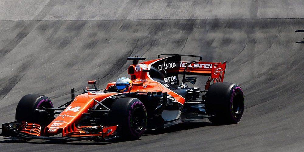 """Zak Brown: """"El  motor decepcionó de nuevo a Fernando Alonso"""""""