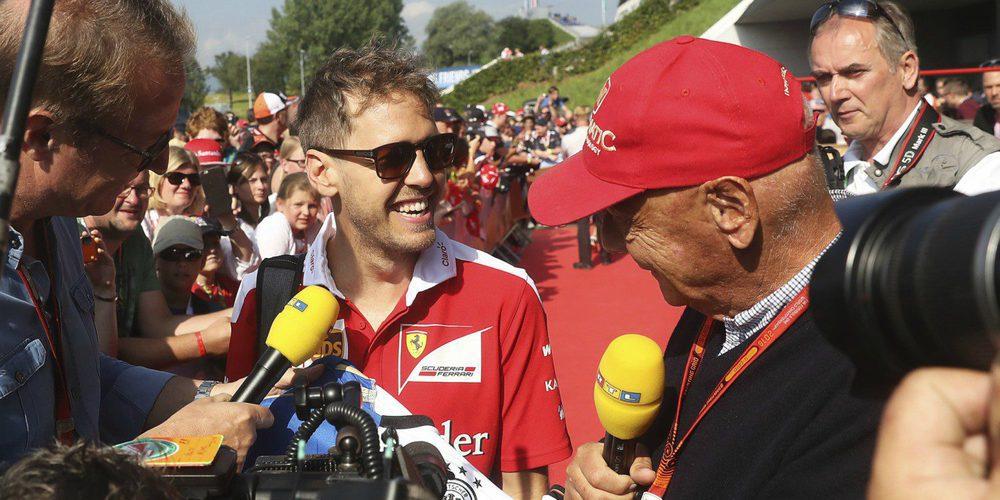 """Niki Lauda: """"Ferrari será favorito en Singapur pero espero que gane Hamilton"""""""
