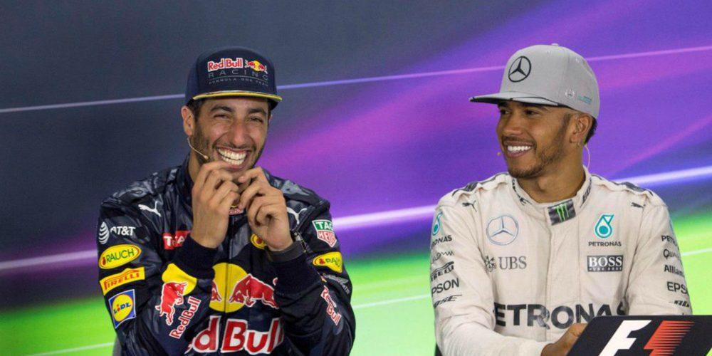 """Daniel Ricciardo, sobre su futuro: """"Estaría guay competir contra Hamilton con el mismo coche"""""""