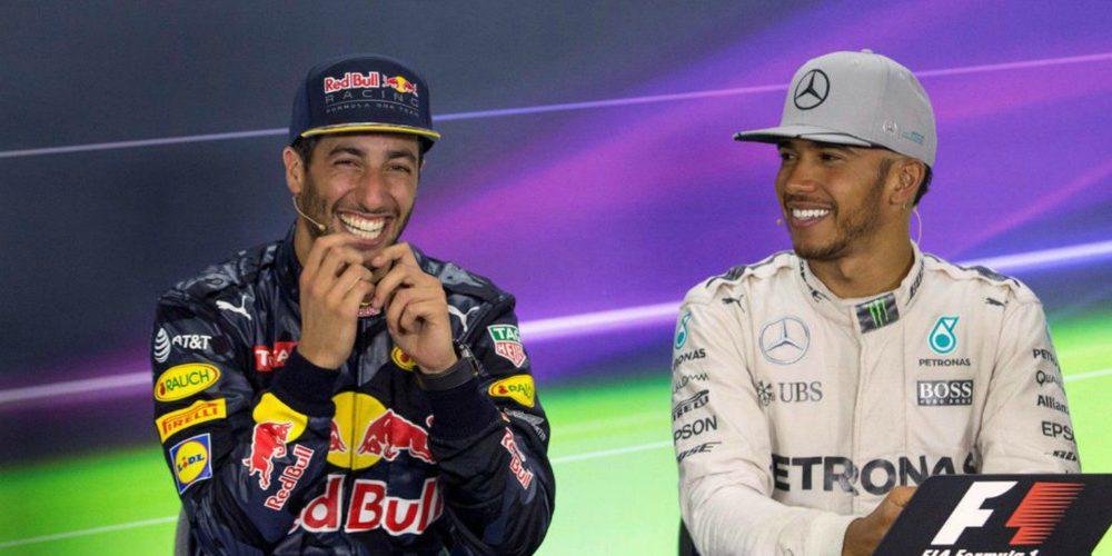 """Christian Horner: """"Sería muy estúpido por parte de Hamilton descartar a Ricciardo para 2018"""""""