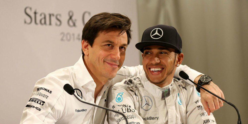 """Toto Wolff evalúa el futuro inmediato de Mercedes: """"Hamilton no nos dejará tirados"""""""