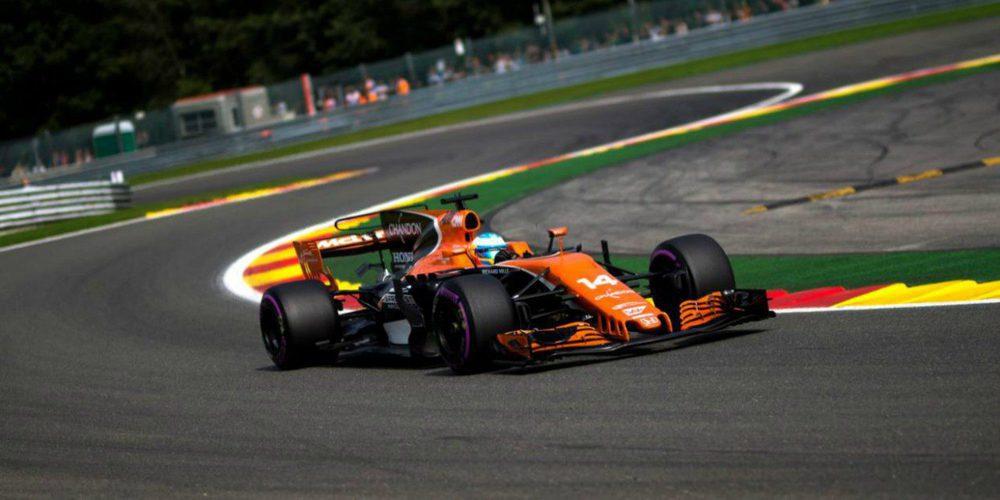 """Zak Brown: """"Fernando Alonso debería tener dos o tres títulos más, es el piloto más completo"""""""