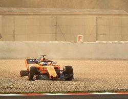Fernando Alonso pierde una rueda a los 40 minutos de empezar la pretemporada 2018