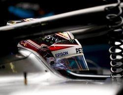 Lewis Hamilton impone su ley en Montmeló