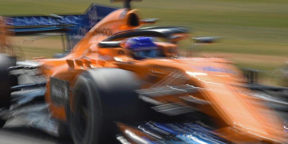 """Fernando Alonso le saca 9 décimas a Vandoorne en Silverstone: """"He ido más allá del límite"""""""