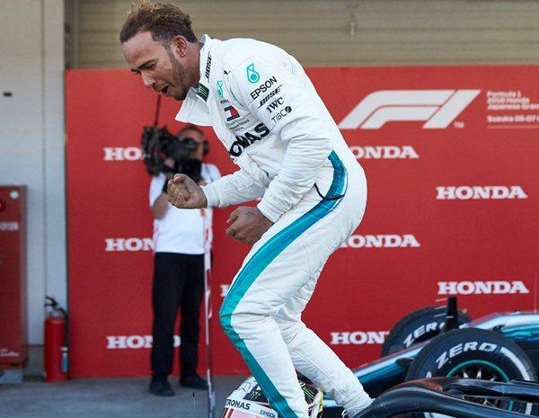 Lewis Hamilton Defiende A Vettel Lo Importante Es Saber Progresar