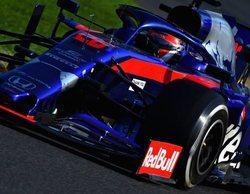 """Daniil Kvyat: """"Fue satisfactorio mantener un coche más rápido detrás de nosotros"""""""