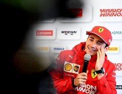 Charles Leclerc lidera una accidentada segunda sesión de Libres en Bakú