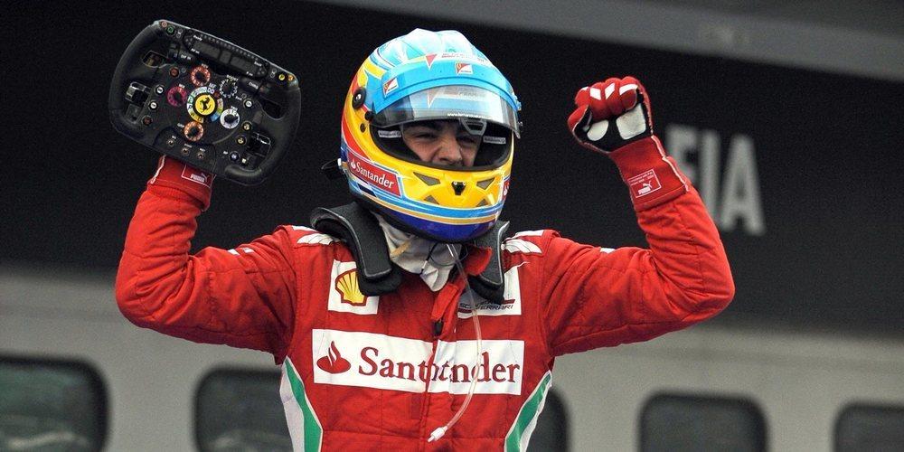Vettel debería fichar por Red Bull y Alonso regresar a Ferrari, según Karun Chandhok
