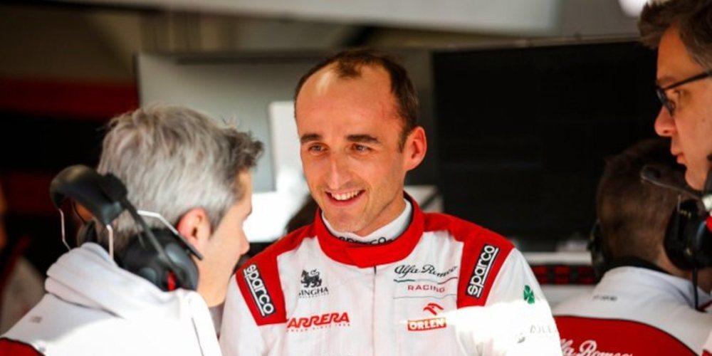 """Robert Kubica: """"Estoy contento porque Williams ha dado un paso adelante este año"""""""