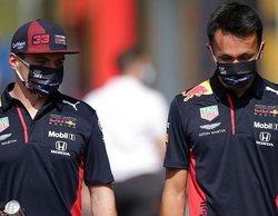 """Hamilton: """"Red Bull tiene un coche competitivo y solo Verstappen está haciendo un buen trabajo"""""""