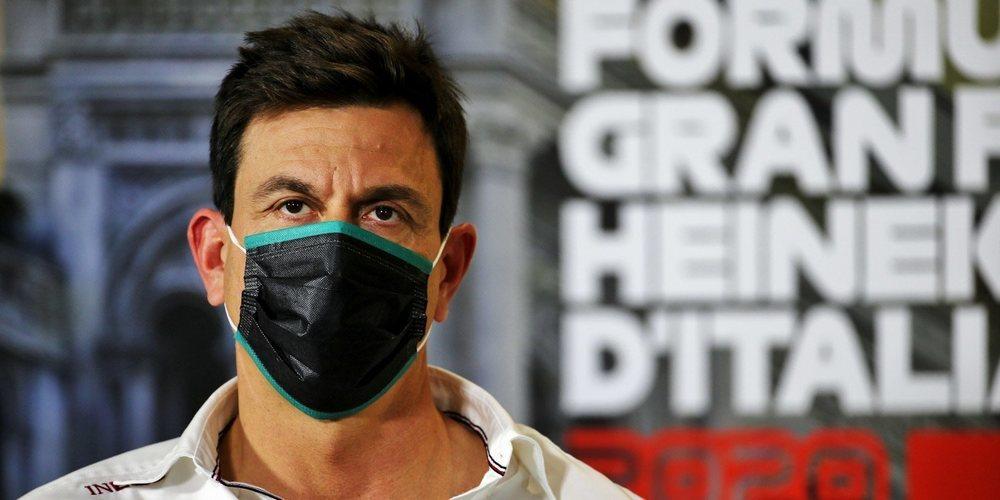 """Toto Wolff, sobre la renovación de Lewis Hamilton: """"Estoy seguro de que continuará"""""""