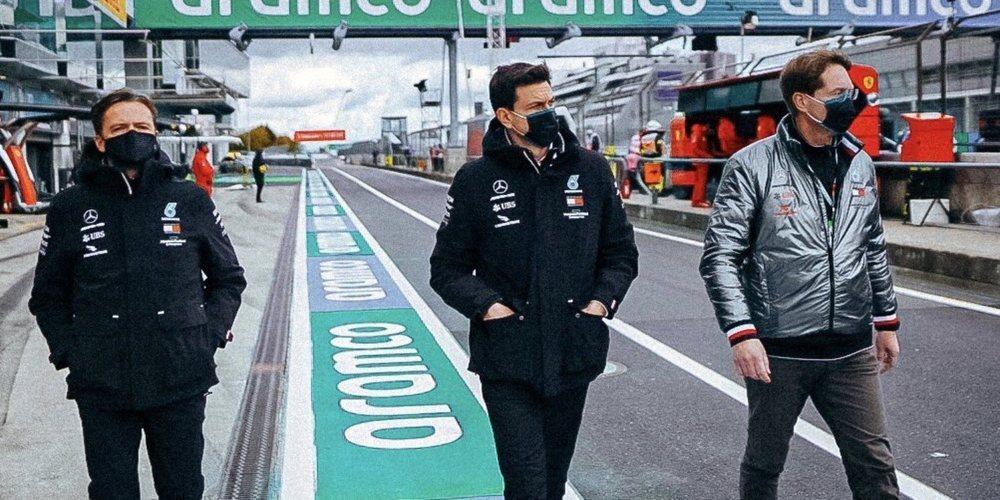 """Toto Wolff, sobre motorizar a Red Bull y Alpha Tauri: """"No es nuestra prioridad suministrar motores"""""""