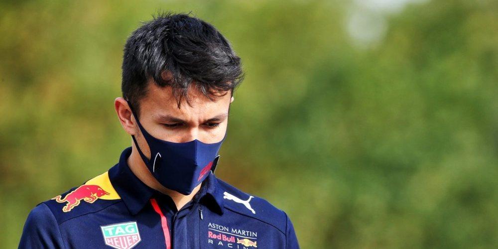 """Jacques Villeneuve, sobre Albon: """"No merece su lugar en Red Bull, está empeorando"""""""