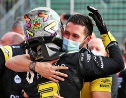 """Ricciardo, de Hamilton: """"Necesita a alguien que lo desafíe a él y a Mercedes, Bottas no se acerca"""""""