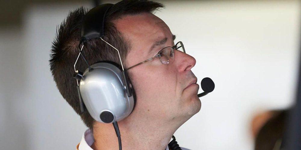 """Mike Elliott: """"Red Bull es nuestro oponente más fuerte porque cuenta con Verstappen y Pérez"""""""