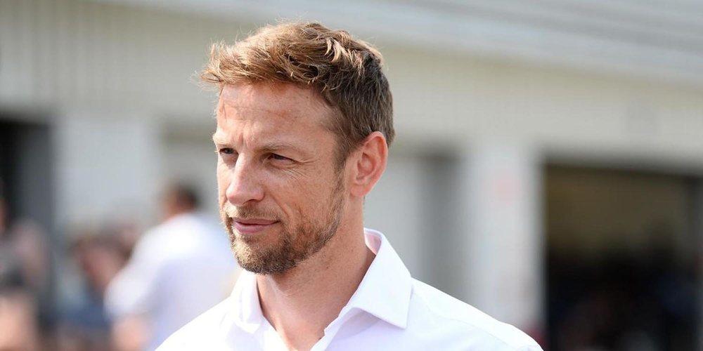"""Jenson Button: """"Tener una batalla entre Verstappen y Hamilton es lo que necesita la F1"""""""
